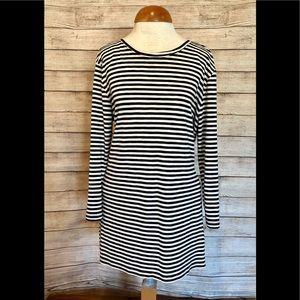 Old Navy - Black and white striped tunic